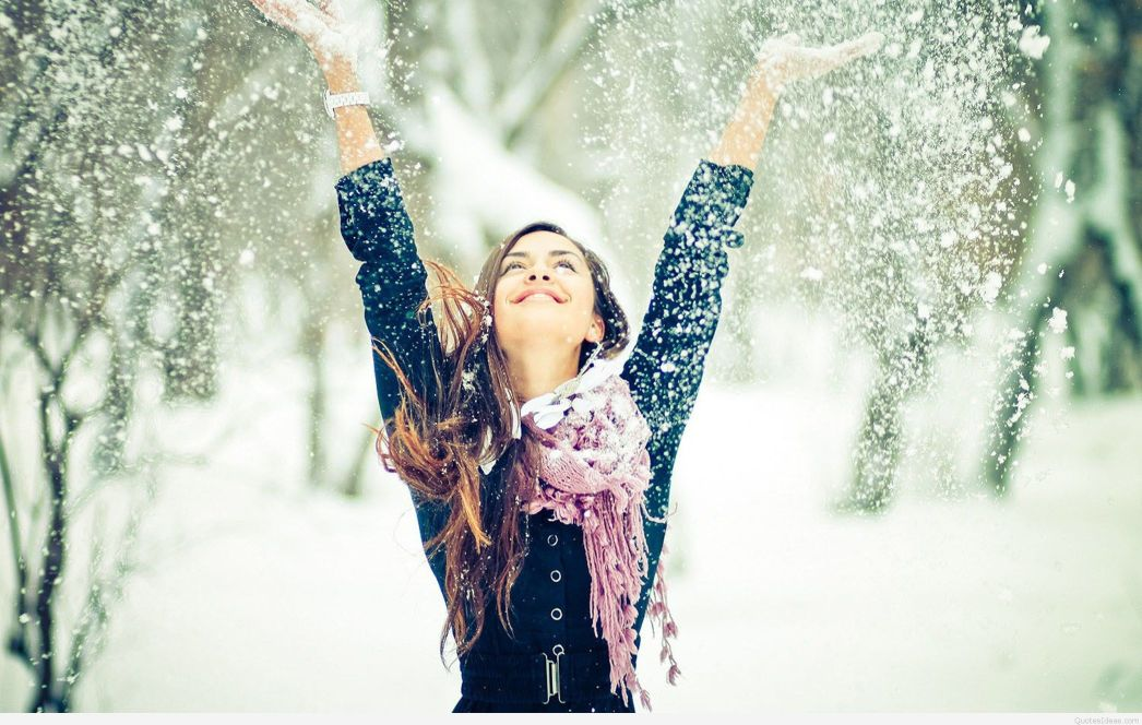 Happy-girl-winter-snow-wallpaper.jpg