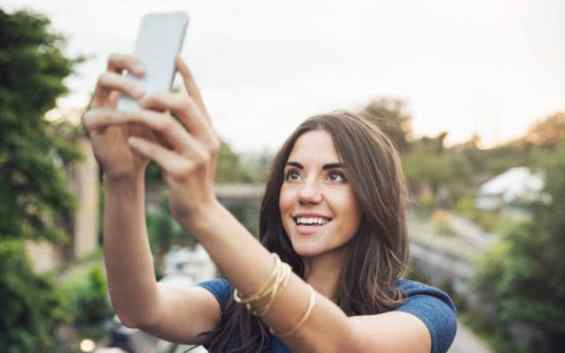 BT_perfect-selfie-large.jpg